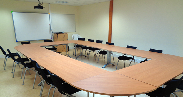 Salle de réunion à Créapole