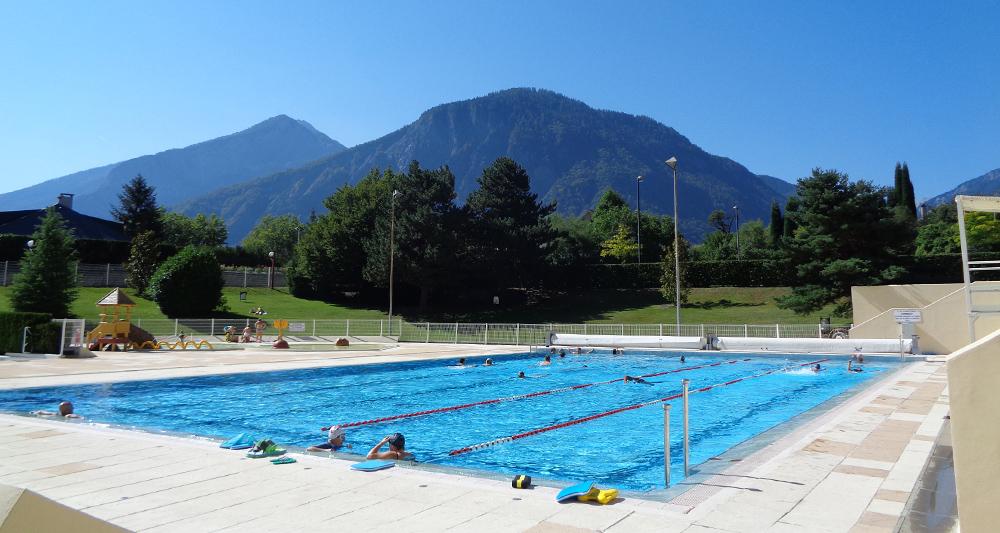 Bassin extérieur piscine Saint Jean de Maurienne