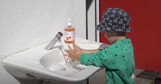 Lavage des mains enfant COVID19